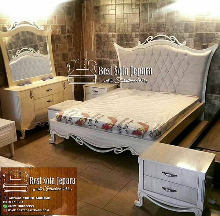 Set Tempat Tidur Ukir Simpel
