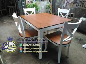Meja Makan dan Kursi Kafe